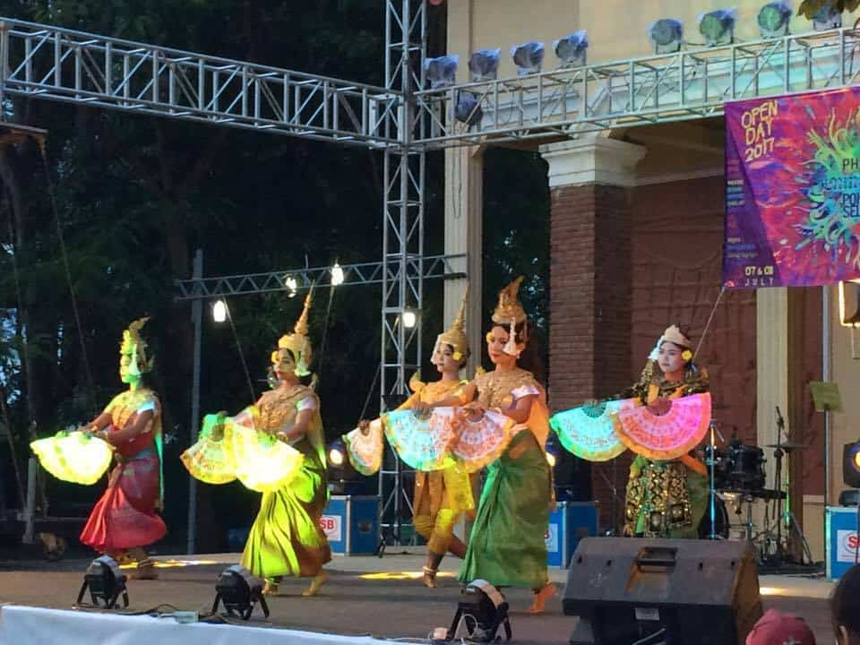 Phare Ponleu Selpak Open Days live performance - Apsara dancers in bright colorful costomes and hand fans
