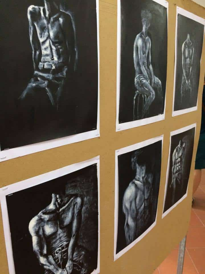 Phare visual arts - 6 black and white drawings of faceless male torsos